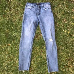 Fashion nova high waisted raw hem jeans size 5 med